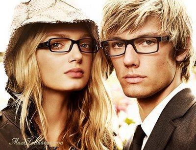 8b4b600af05dab Burberry   lunettes de vue et de soleil pour tous les goûts! - Happymag