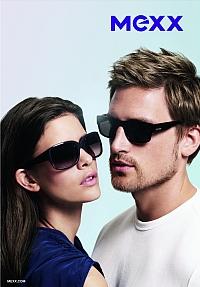 Publicité pour les lunettes de soleil Mexx