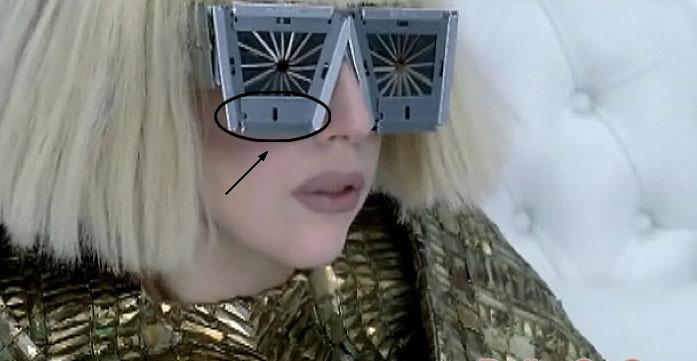 lunettes du clip bad romance
