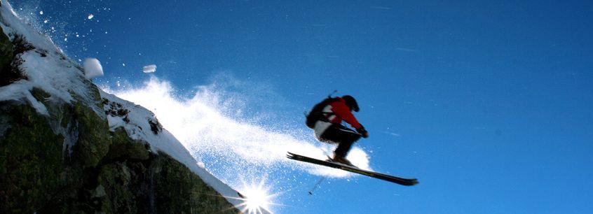 skieur avec masque de ski