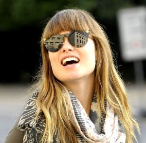 Olivia Wilde et ses lunettes Versace