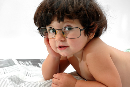 Enfant à lunettes